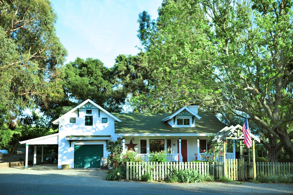 Our newly redecorated farm house is nestled equidistant  between the towns of Napa and Sonoma and perfect for wine country adventures up both valleys!