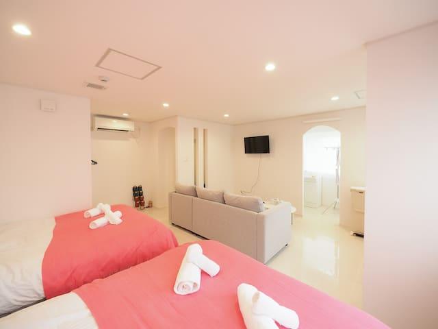 K1-2A: Kukuru house 最大5名 白亜のリノベ済みくくるハウス旭橋駅国際通り徒歩圏内