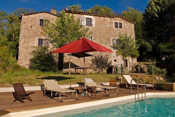 Mas cévenol 18ème - Saint-Jean-du-Gard - Casa