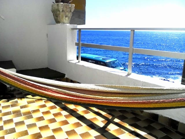 House 10m away from the Beach! - La Puente - Hus