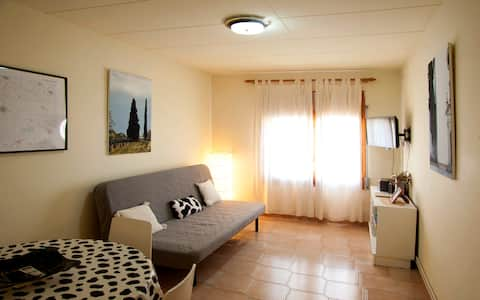 Appartment for 4. Linyola (Lleida)