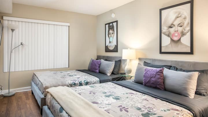 Hollywood Blvd Apartment/Perfect Location