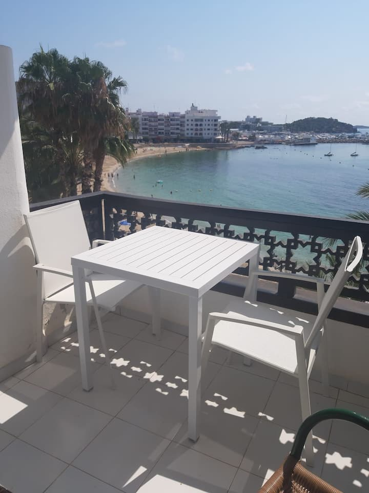 Apartamento cn terraza encima del mar.Wifi+parking