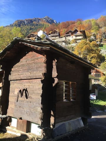 Chalet Mazot en Valais ( Tiny house )