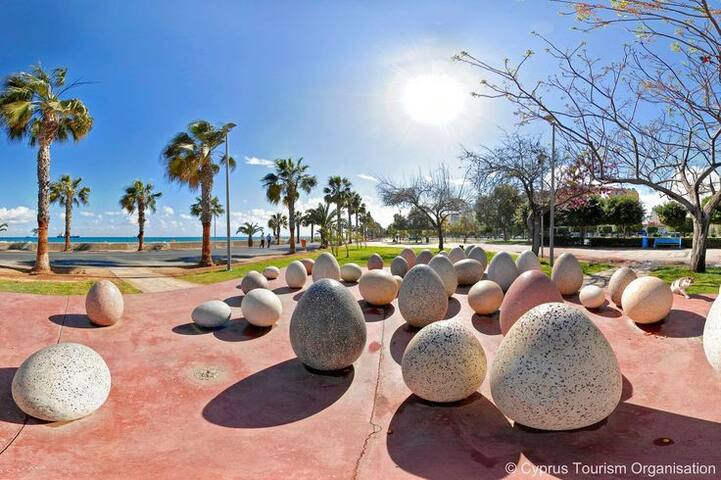 4 Bedr Spacious Nr Beach, Free WIFI - Limassol