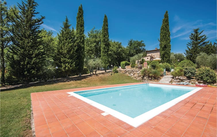 Holiday apartment with 2 bedrooms on 86m² in Gaiole in Chianti -SI-