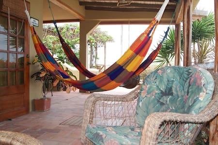 Villa Santoro. Pta Blanca - Ecuador - Punta Blanca