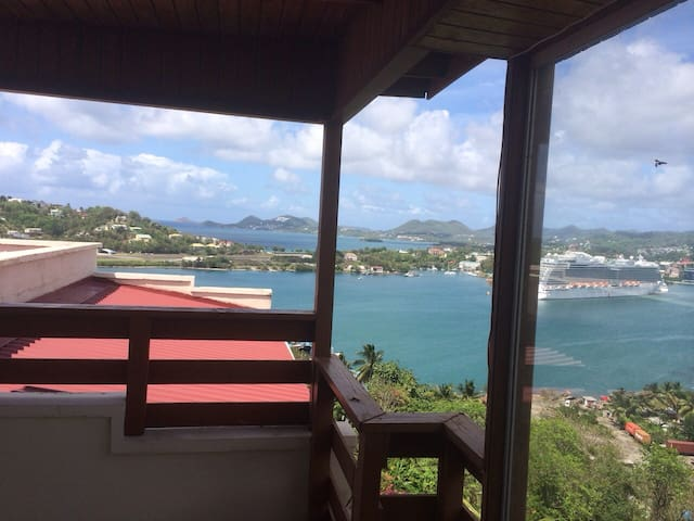 Penthouse Apartment Amazing Views - Castries - Apartment