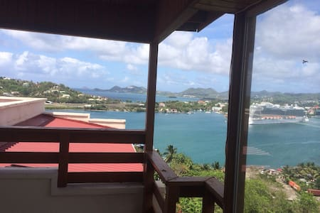 Penthouse Apartment Amazing Views - Castries - Apartmen