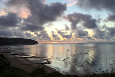 One Bed Apartment With Sea Views - Swanage - Apartment