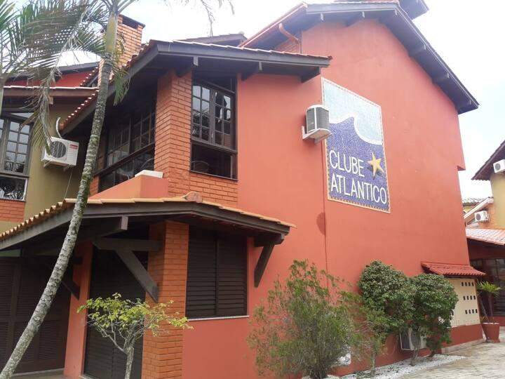 Apartamento Duplex junto à Praia de Jurerê