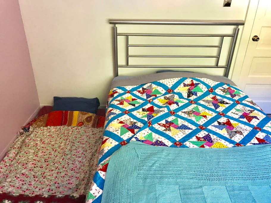 Floor bed & full size bed