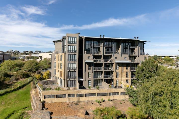 Riverside Lofts 1132 - Studio Apartment