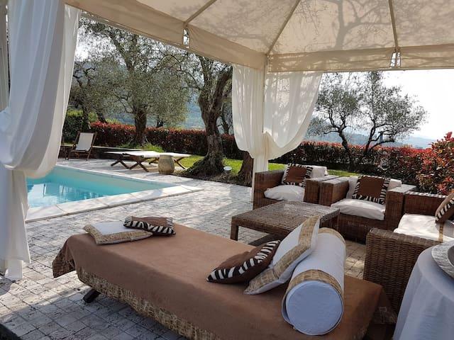 villa whit pool in cinque terre