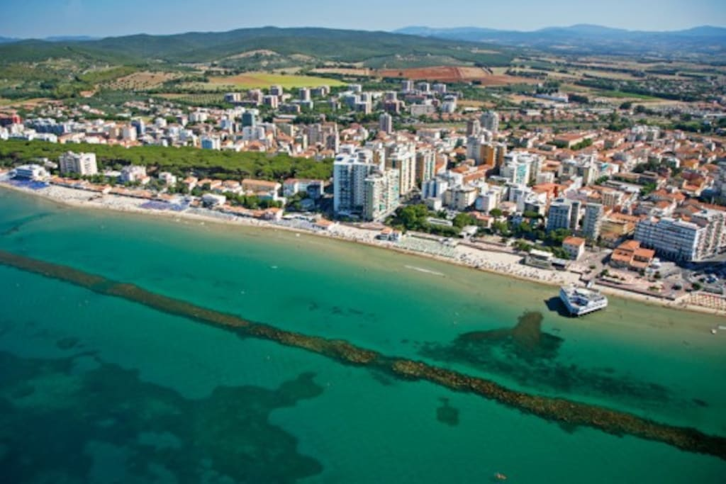 follonica dating site The silver coast in tuscany is located to the south of grosseto and maremma natural park and offers (dating back to sea resorts like follonica.