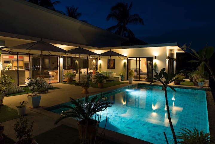 Matteo villa with Pool and Ocean view-Chaweng