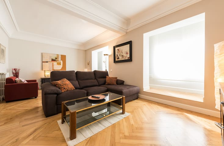 New! Cozy and spacious apartment in Moncloa - Madrid - Byt