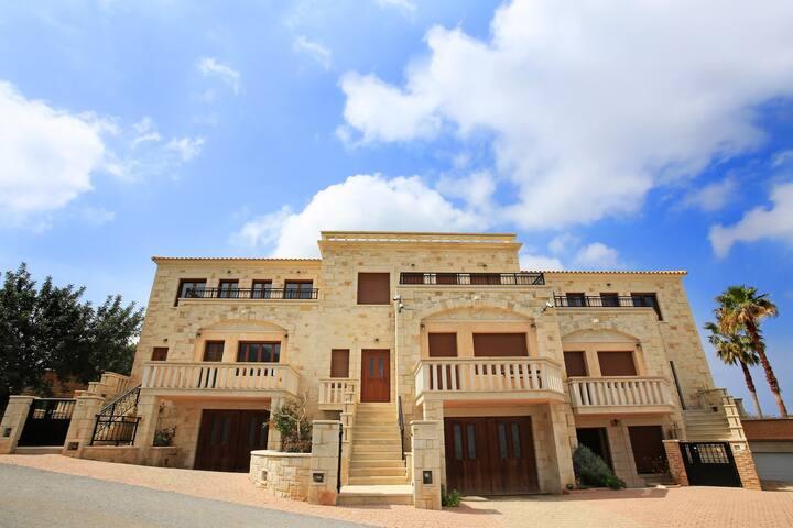 Luxury Villa 'Oceania' with Private Pool,Crete