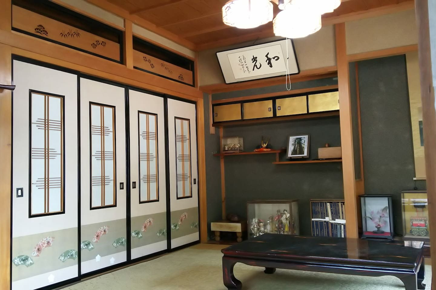 Guestroom with traditional Japaneas slide door