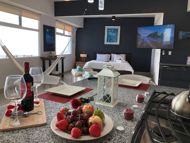 Celebrate your romantic moments with us @ luxurious Beach loft would set everything up with roses, pedal, bottle of wine, aromatic candles and exotic plate of freshly fruit just confirm your booking and request the romantic touch package for $100dlls
