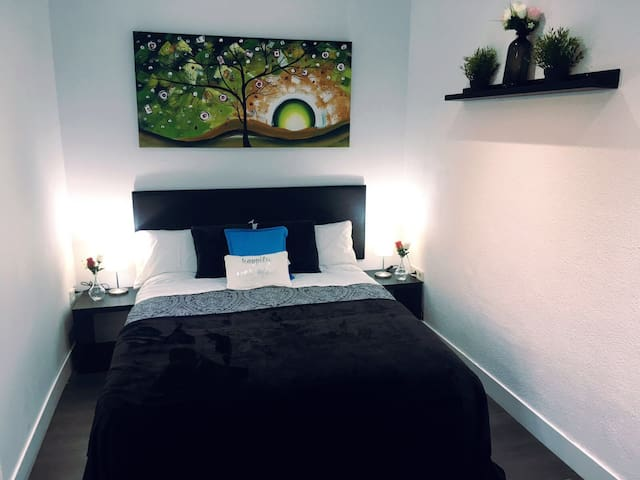 Great double room 10 min from the airport/Ifema 00