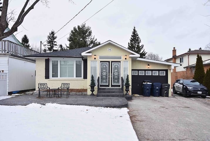 2 BR Executive Bungalow in West Rouge