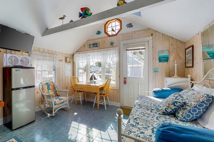 NEW LISTING! Cozy cottage in a perfect location - steps away from private beach