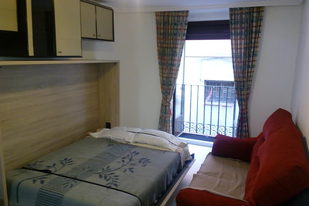 Double bed 1m x 35cm