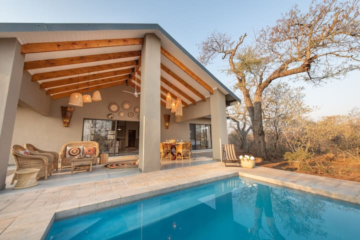 Rooibos Bush Lodge - Relax in your own private pool