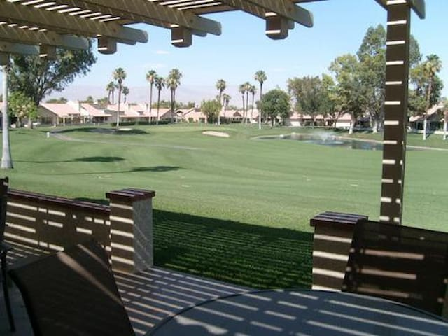 Coachella Beautiful house on golf course