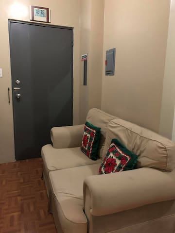 Clean, safe and cozy Near to LRT, MRT and AIRPORT