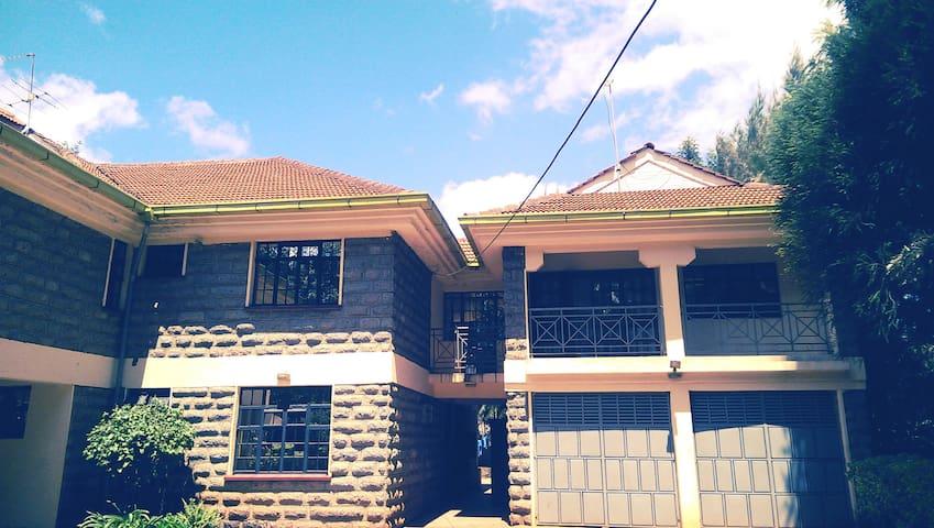 WestWing Suits-Modern,Spacious Guest Rooms,Karen - Nairobi - Byt