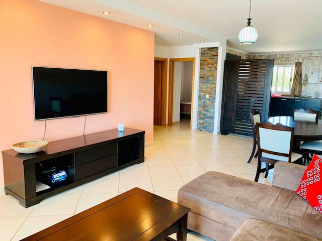 2Bdr apartment by the Indic Ocean (Susana)