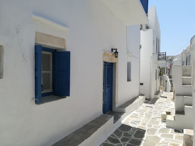 Unique traditional house dating from 1700