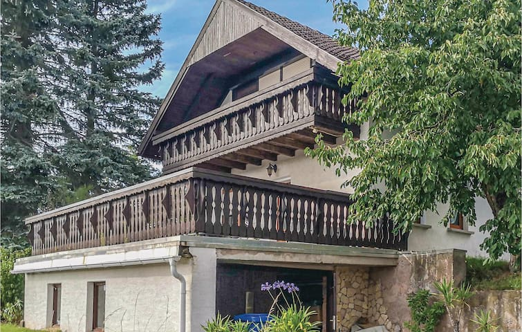Holiday cottage with 2 bedrooms on 66m² in Wasungen