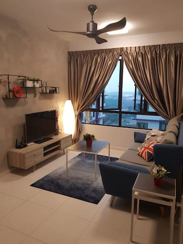 Top Sky Living@The Heights Residence/6-8pax*WIFI*