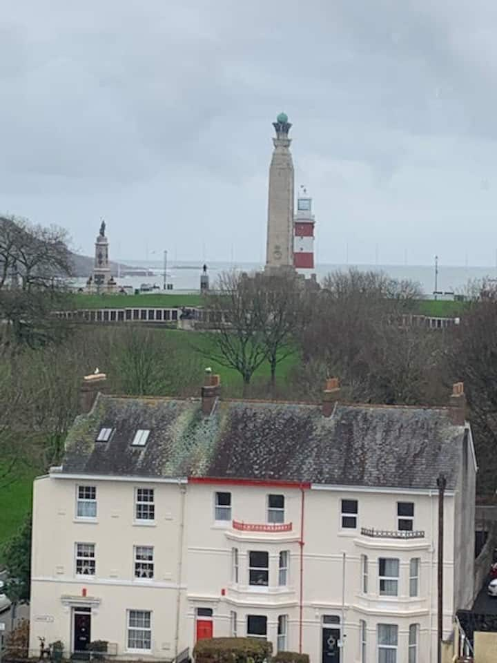 Plymouth studio apartment with stunning views