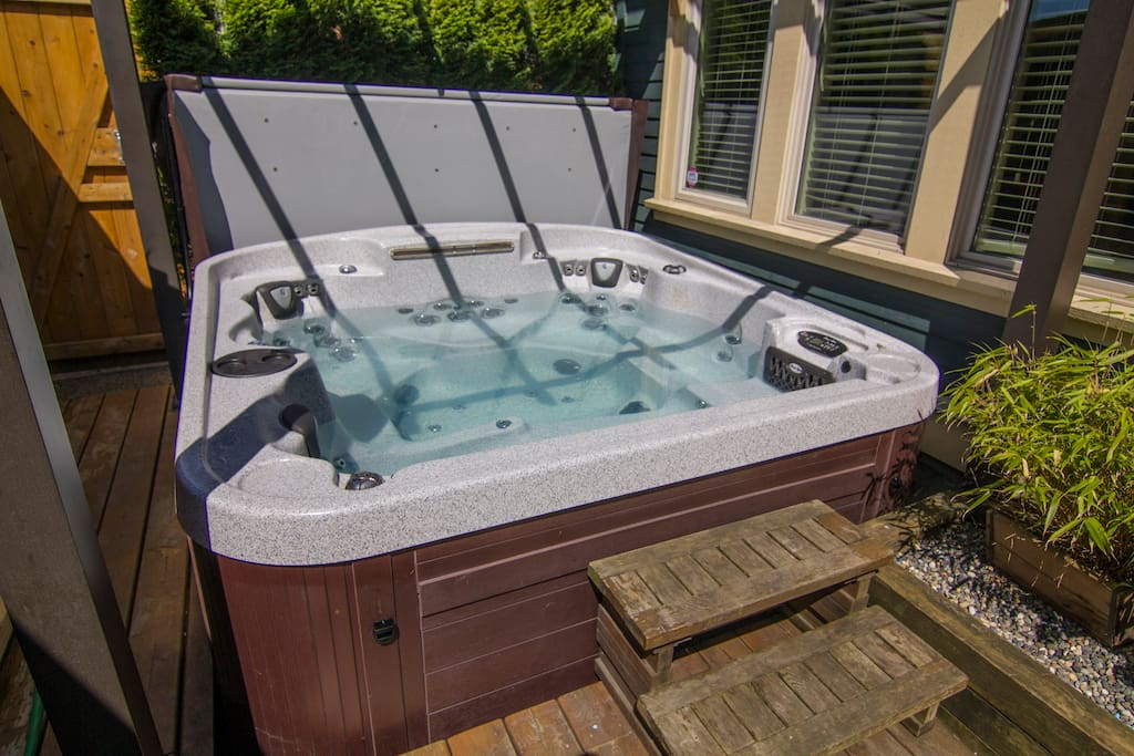 Hottub in the day