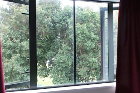 Cosy first floor room near Auckland Airport - Auckland