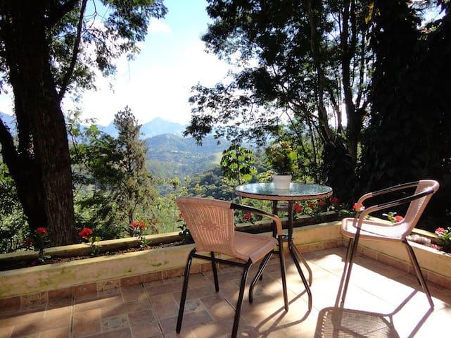 COZY HOUSE  WITH PANORAMIC VIEW  - Teresópolis - Ev