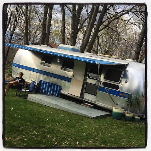 1971 Vintage Airstream, Sleeps 4 - Gardiner - Camper/RV
