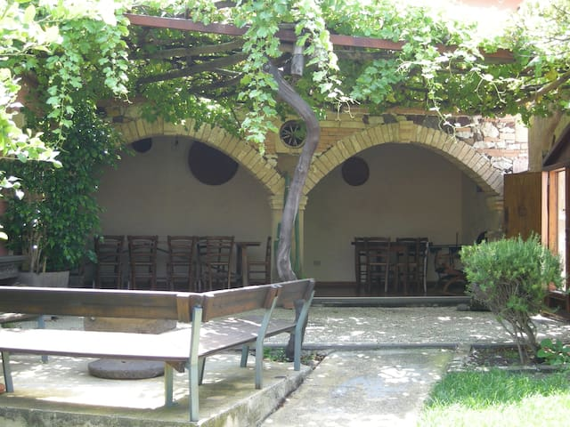 Camera privata in casa con giardino - Riola Sardo