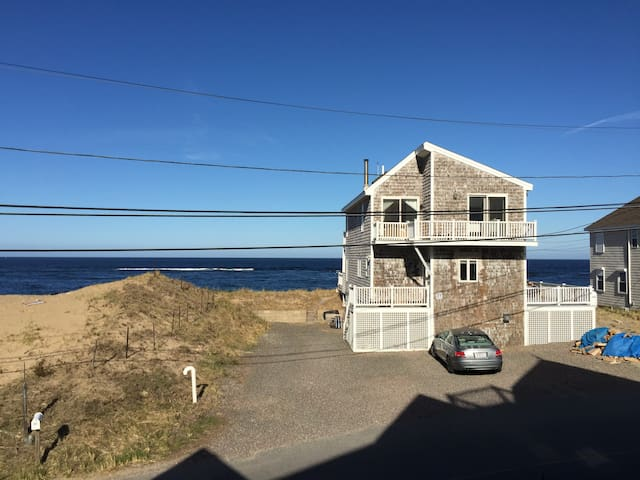 Plum Island waterfront beach getaway - Newbury