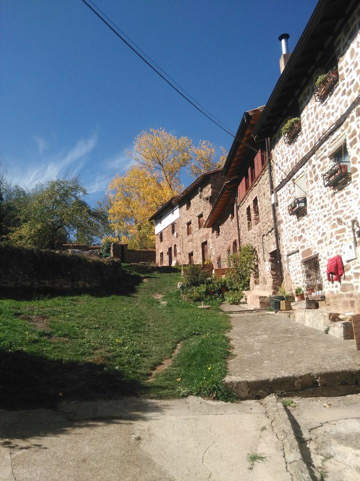 Casa Soleta Ezcaray, con chimenea y barbacoa.