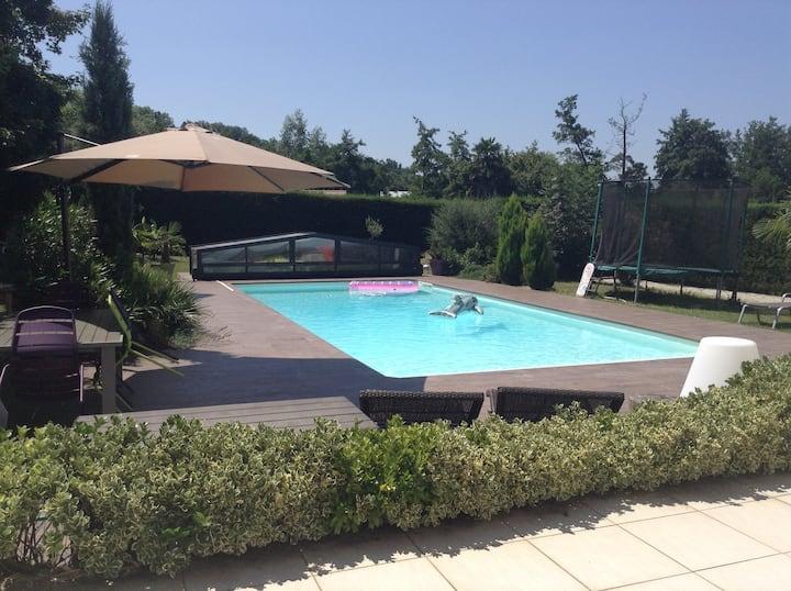 Chambre  2 plein sud sur piscine