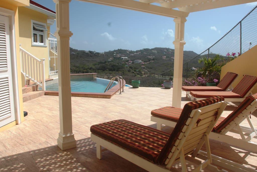 Sun deck with infinity edge pool