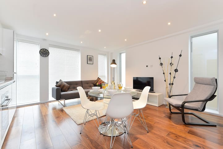 Perfect apartment for 4-5 people in Tower Bridge