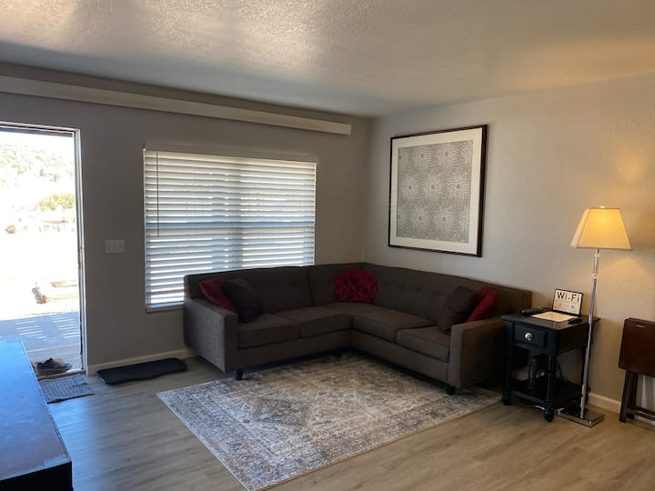 Unit#1 Fully Renovated-2 Bedroom 1 Bath Apartment
