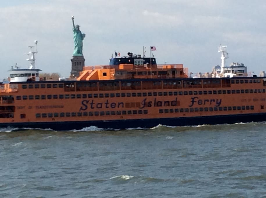 Free Ferry pass the statue of liberty, 24hrs.