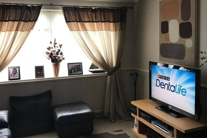 Cosy 2 Bedroom Apt in Enfield